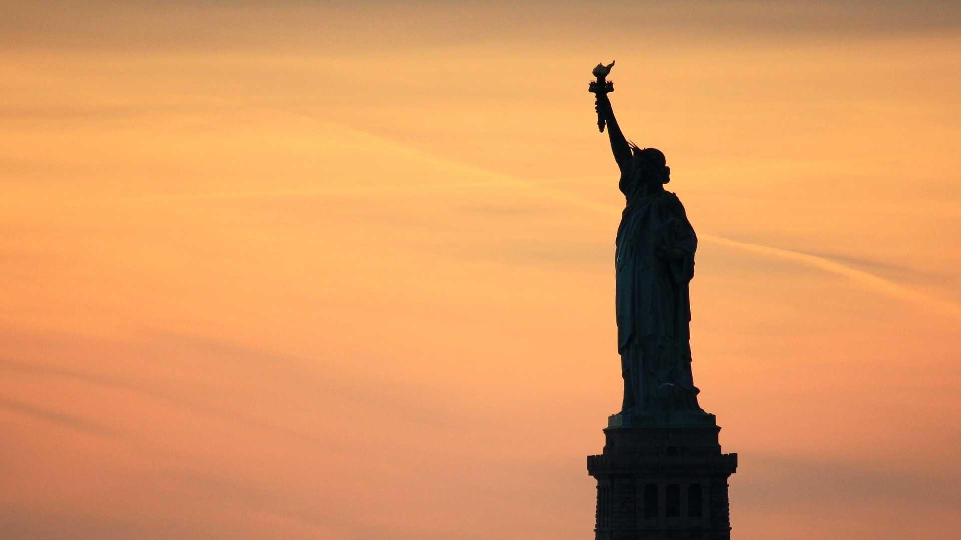 USA: Behörden wollen Daten zu Social Media und Online-Suchen von Einwanderern