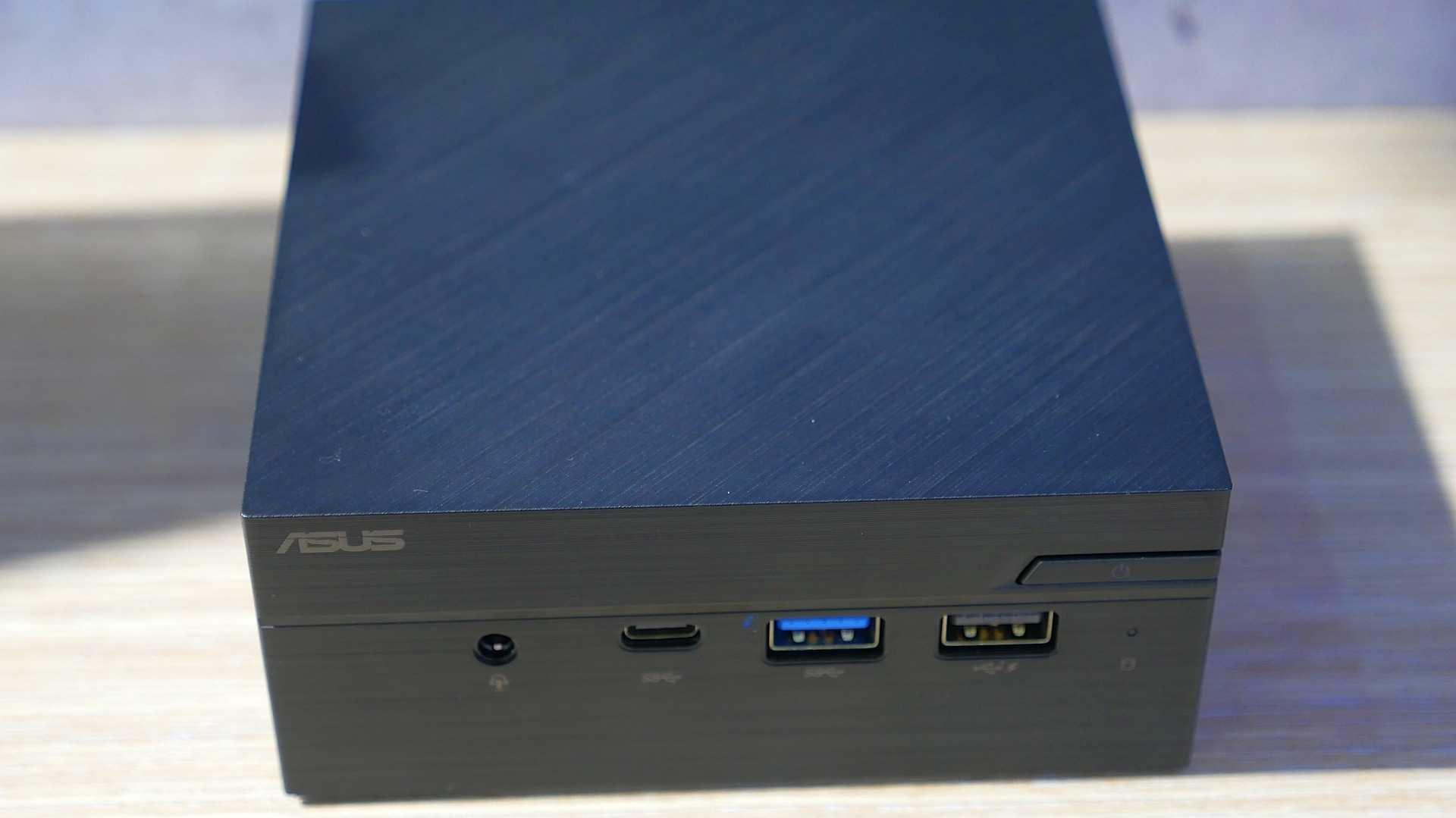 Asus' passiv gekühlter Mini-PC PN40 mit Intel Celeron N4000 Gemini Lake