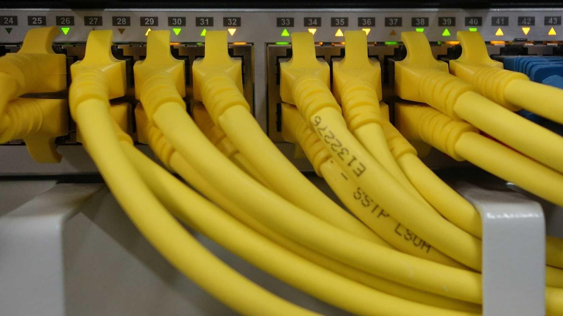 Millionen fremder Namen zur Abschaffung der Netzneutralität missbraucht