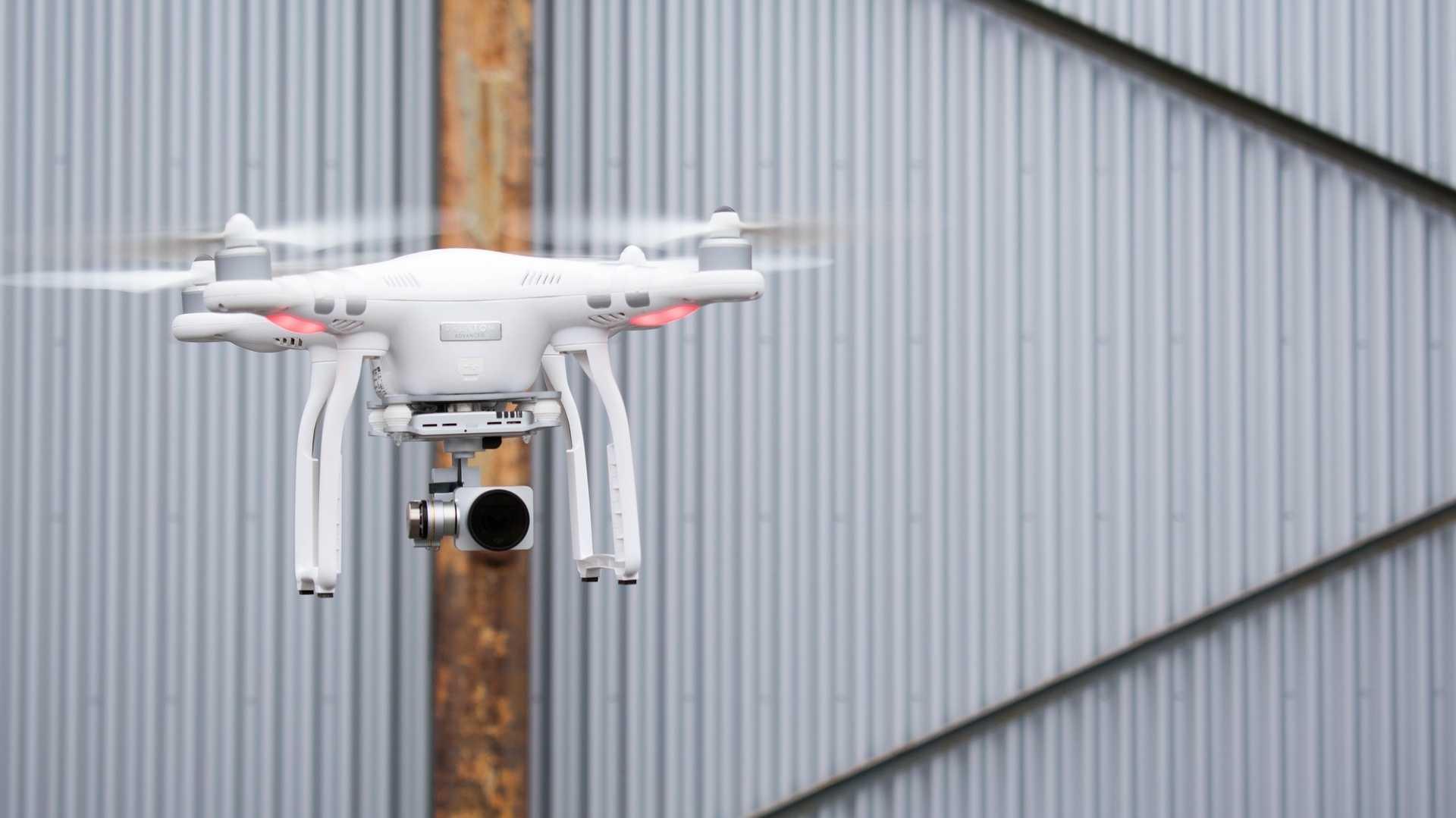 Festnahmen nach Drohnen-Alarm in Gatwick - Rückkehr zum Normalbetrieb