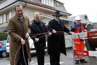 Während um Kabeldrehungen in Deutschland nie viel Aufhebens gemacht wurde, werden sie etwa in der Schweiz öffentlichkeitswirksam vollzogen.