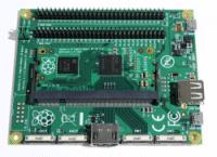 Das System Development Kit mit dem Raspberry Pi Compute Module im SODIMM-Format und dem IO-Board, das die Schnittstellen bereitstellt.