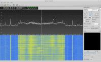 OFDM-Signal des Vodafone-LTE-Downlink im 800-MHz-Band mit gqrx und der mitgelieferten Teleskopantenne