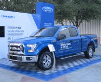 Ein blauer Pickup
