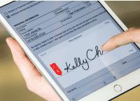 Mit der Document Cloud und neuen Mobil-Apps will Adobe papierlose Workflows erleichtern, etwa beim Unterschreiben von Dokumenten.