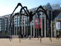 Riesige Statue einer Spinne