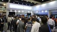 Samsung machts spannend: Schlange stehen für das erste dehnbare OLED