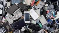 En Haufen alter Handys