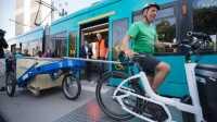 """Paketzustellung per Straßenbahn: Testphase für """"Logistiktram"""" in Frankfurt"""