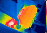 Wärmebild der Spannungswandler auf einem MSI Z390 Gaming Plus mit Core i9-9900KS unter Volllast.