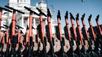 Corona-Krise: Auch E-Tretrollerverleih Voi stellt Betrieb vorübergehend ein