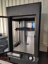 3D-Drucker mit Ventilen für Beatmungsgeräte
