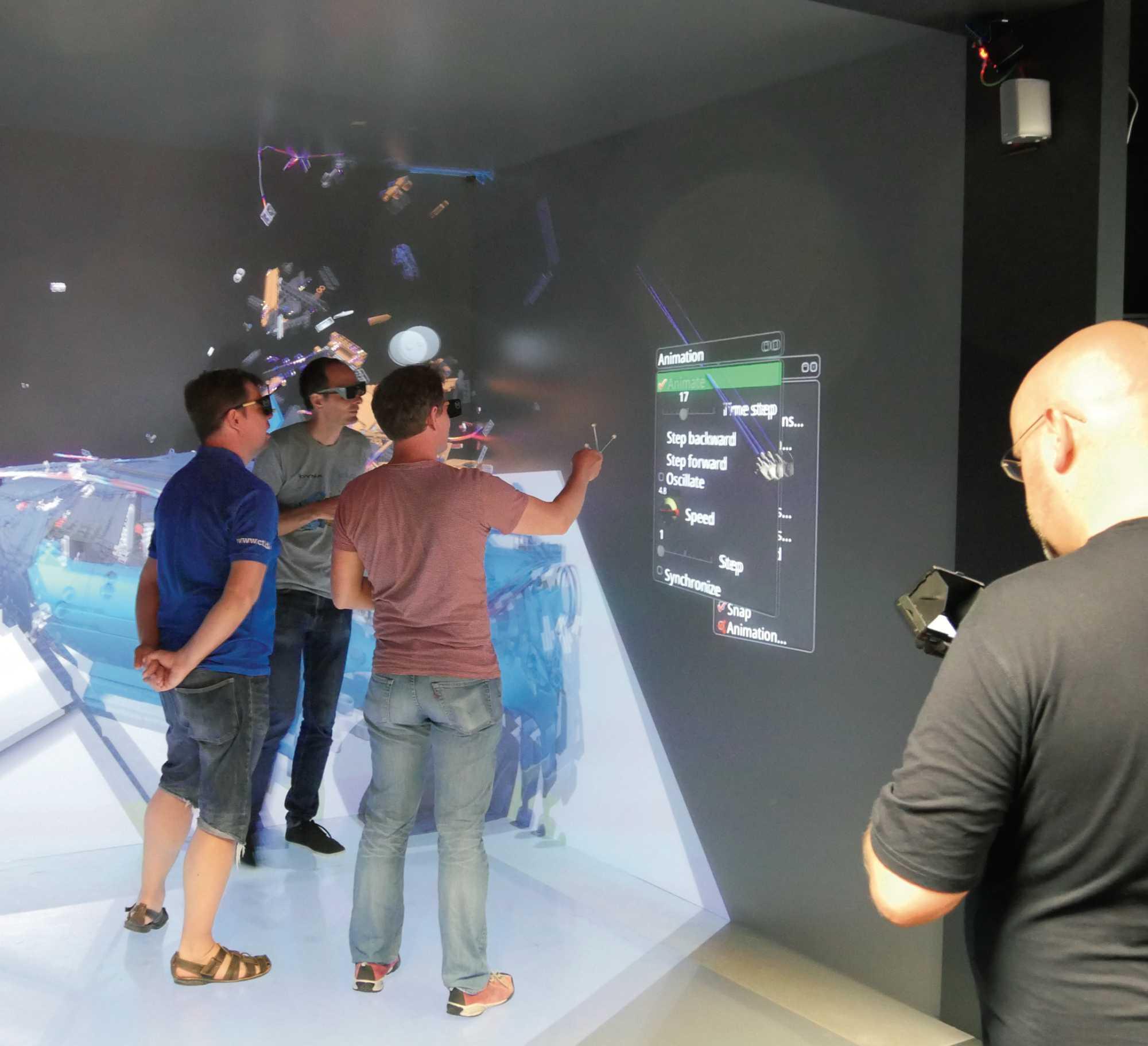 In der 3D-Cave des HLRS konnte man komplett ins virtuelle Crash-Geschehen eintauchen.