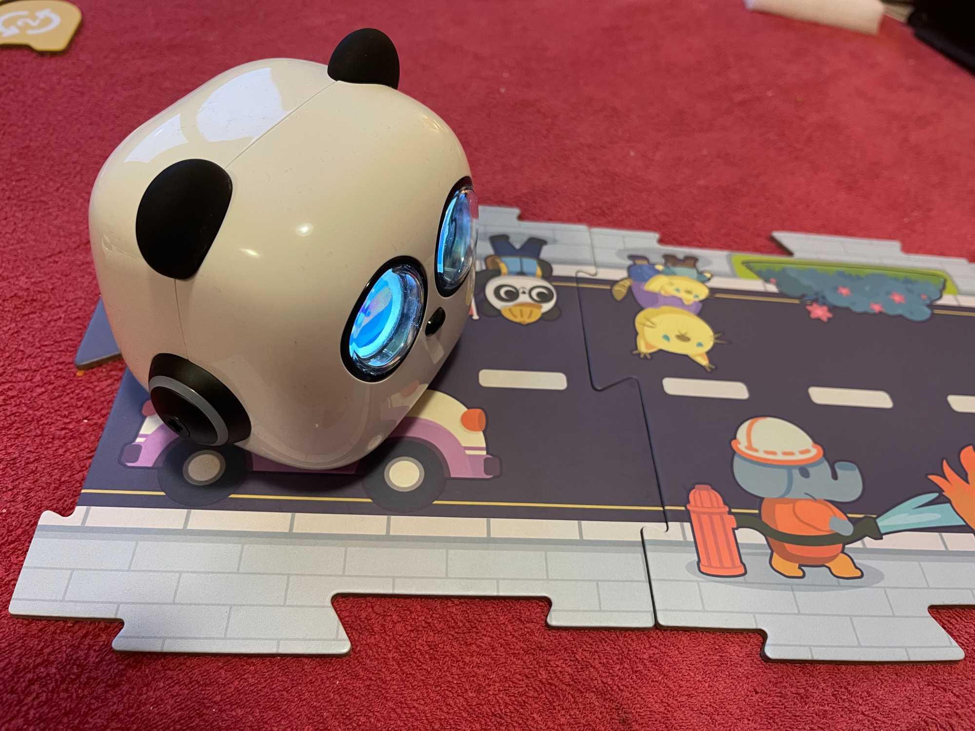Kinder können Programme entwickeln, um Aufgaben in einer Spielwelt zu bewältigen.