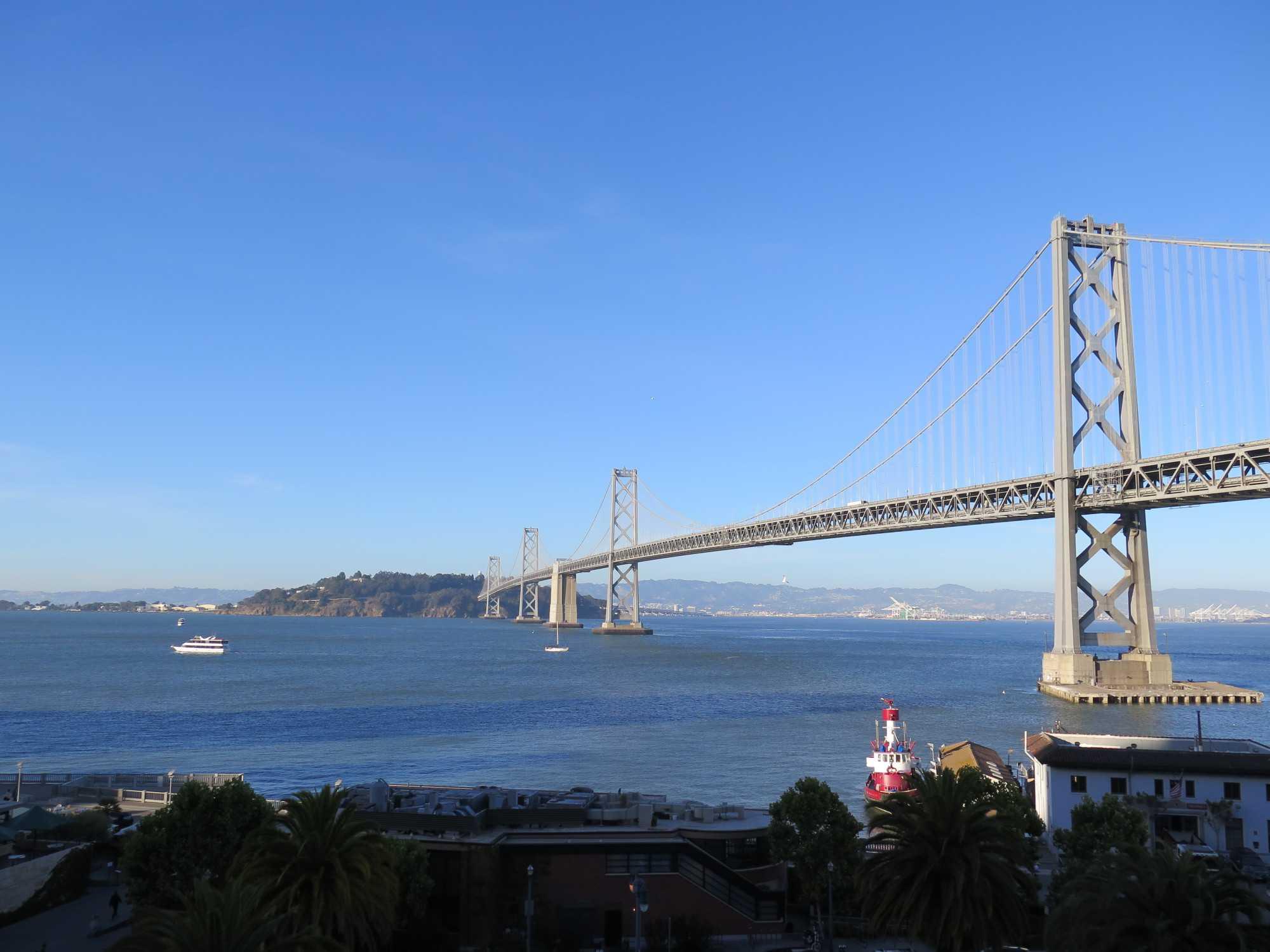 Die Oakland-Bay-Brücke in San Francisco