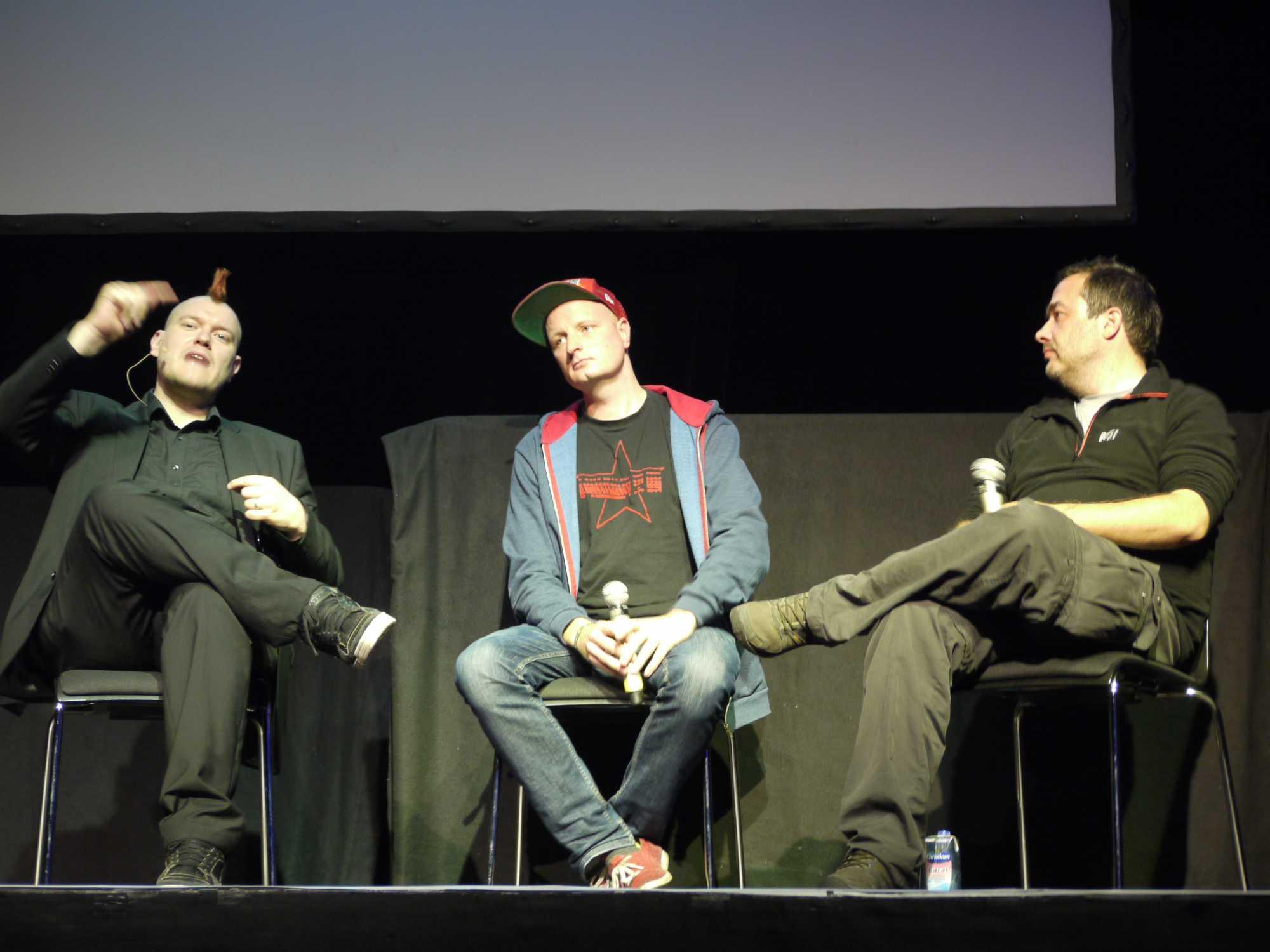 """von links nach rechts: Sascha Lobo, André Meister, Frank Rieger über """"Unsere Anpassung an die permanente Überwachung"""""""