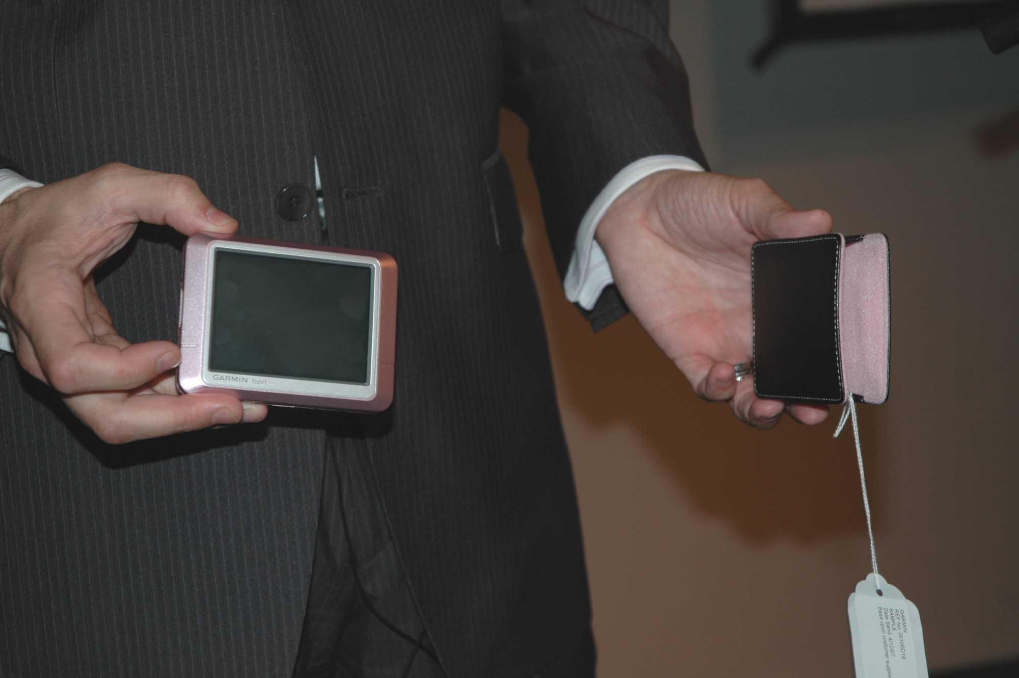 Garmin-Navigationsgerät in rosa