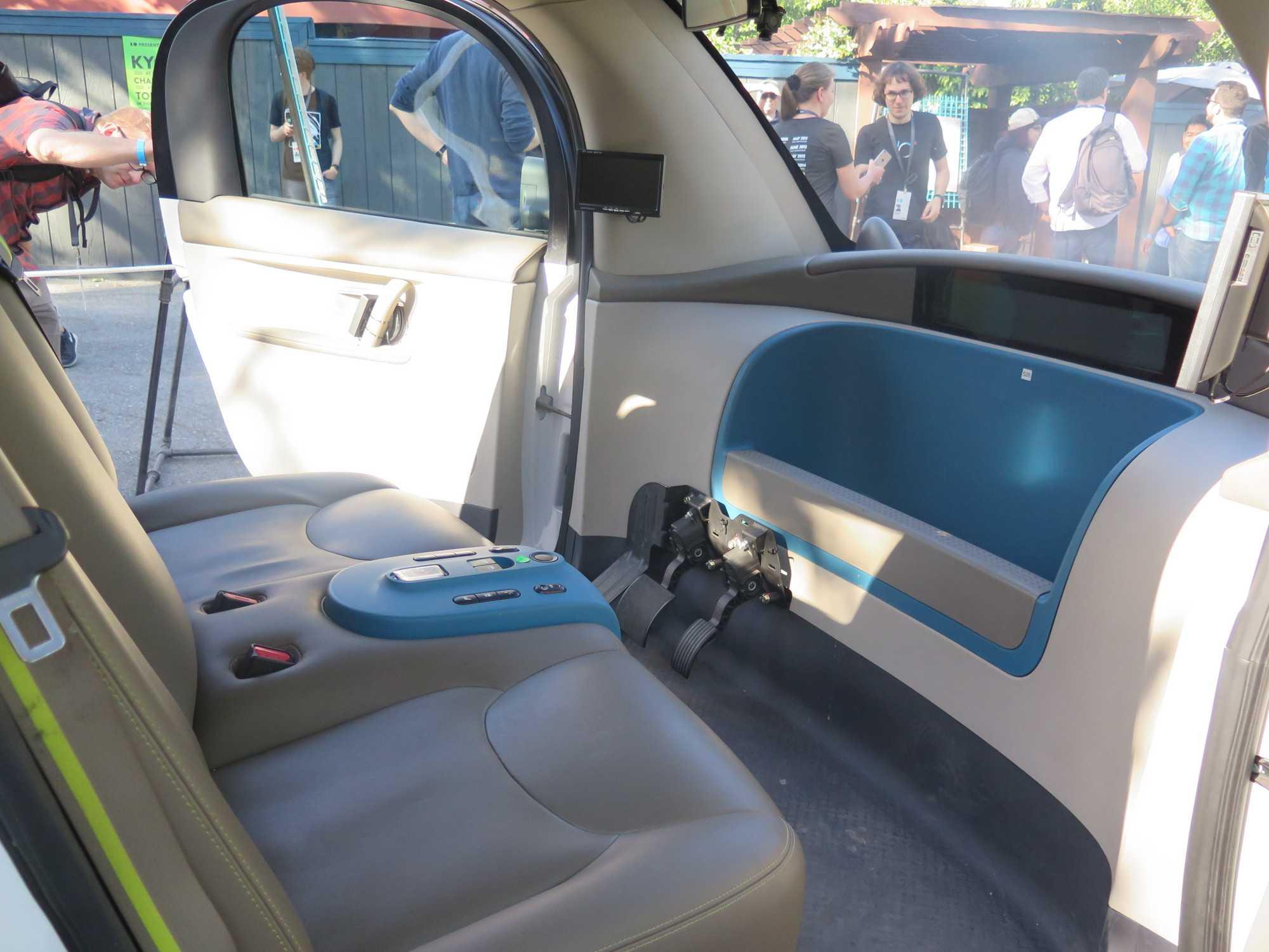 Blick ins Innere des Googlemobil