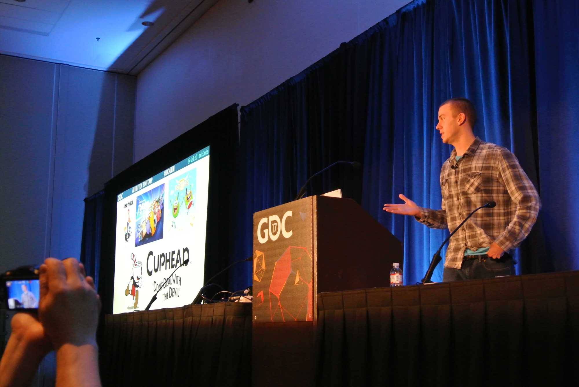 Cuphead ist das erste Videospiel, an dem Jake Clark als Grafiker und Animator arbeitet.