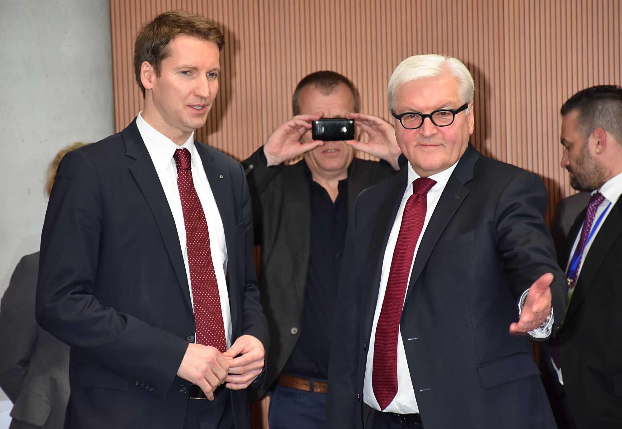 Frank-Walter Steinmeier (re.) mit Patrick Sensburg