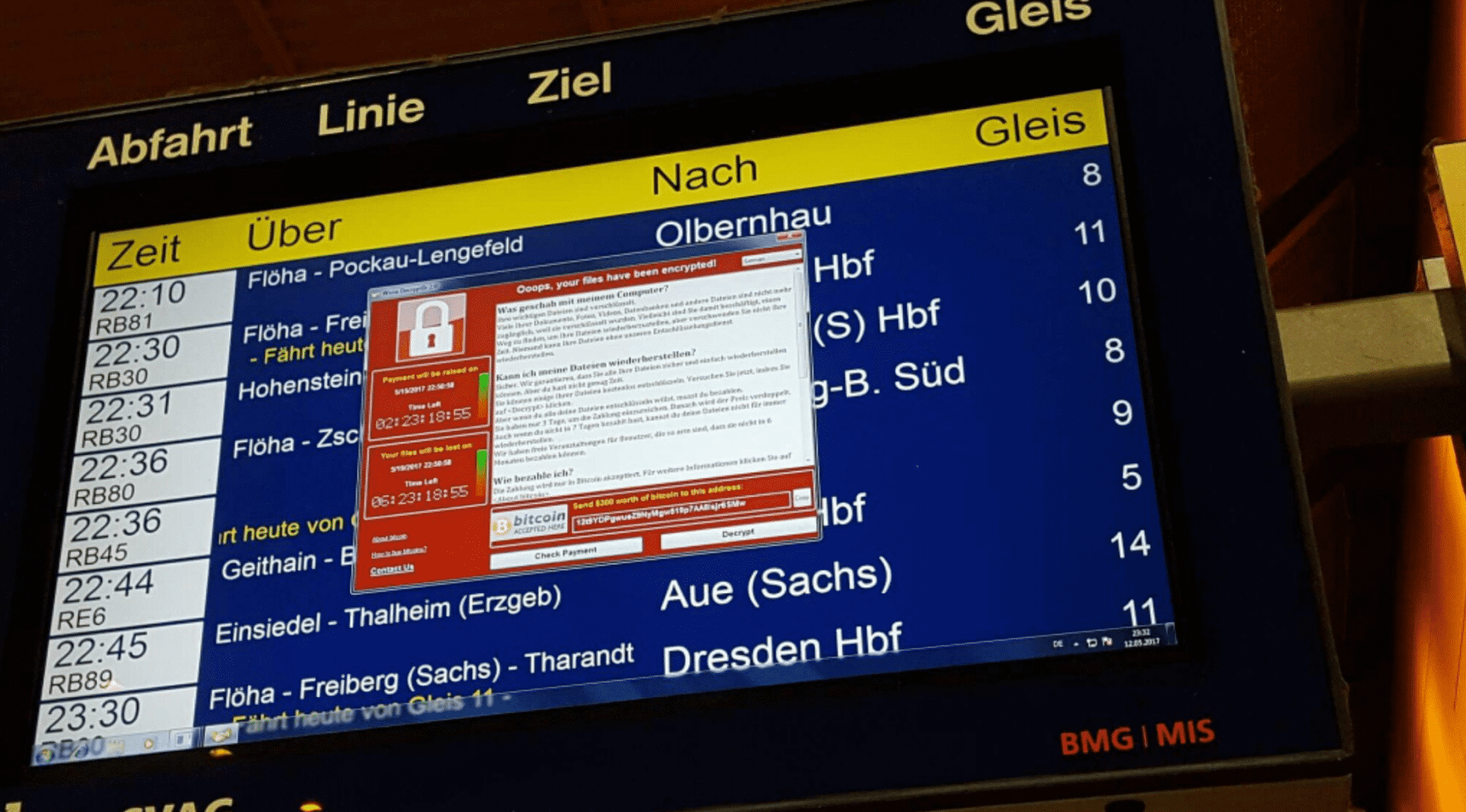 Ransomwarebefall auch bei der Deutschen Bahn? Bilder wie diese machen auf Twitter die Runde.