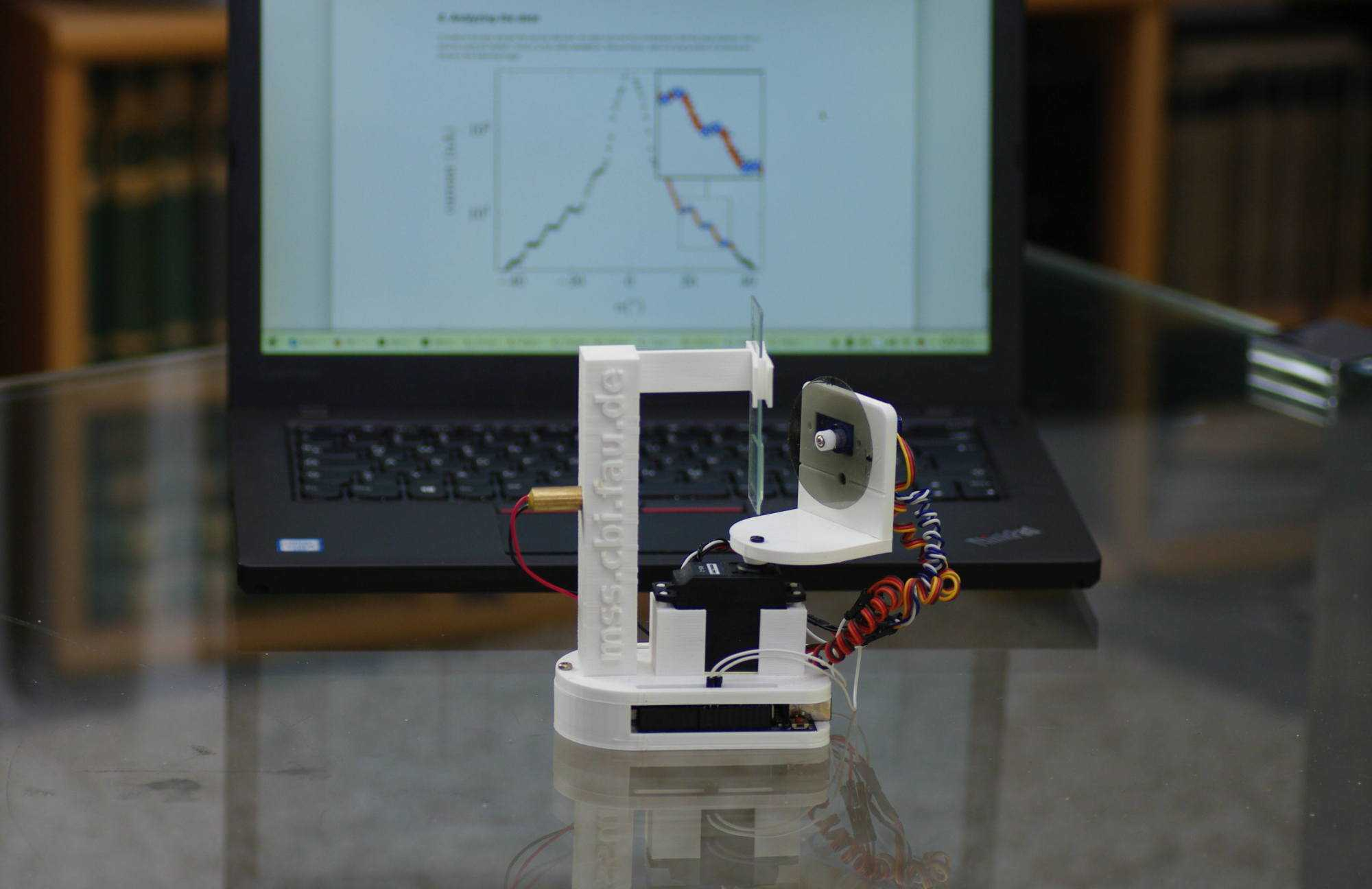Computer mit Messgeräten