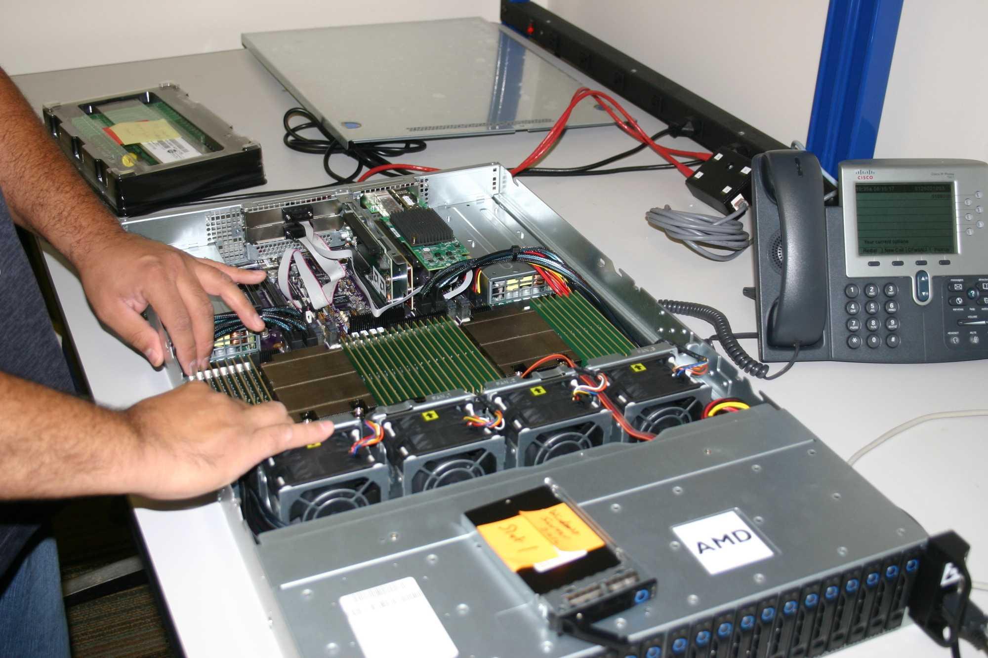Unser Testsystem mit  zweimal Epyc-7601