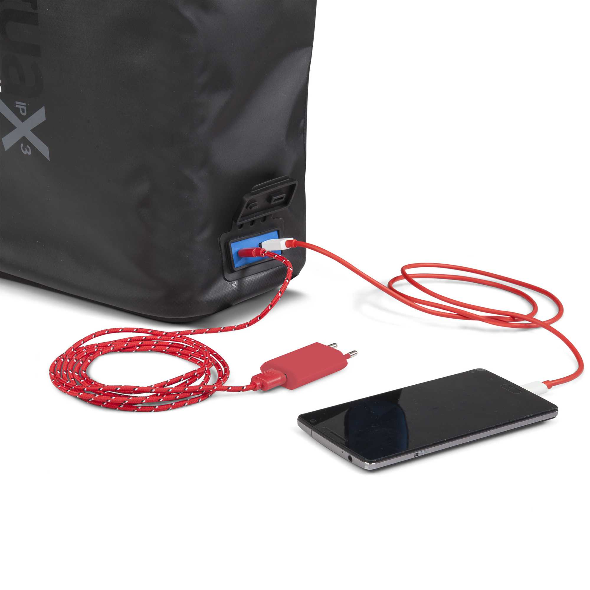 In das Modell Versa Backpack ist eine Durchführung für eine Powerbank integriert.