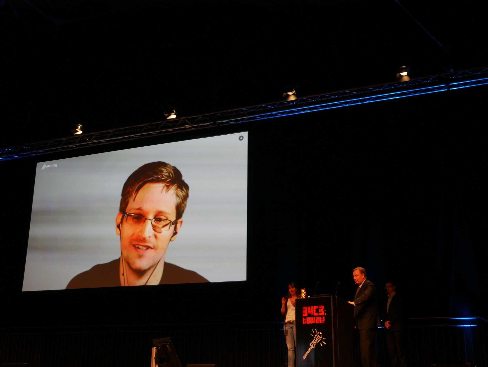 Snowden und Tibbo