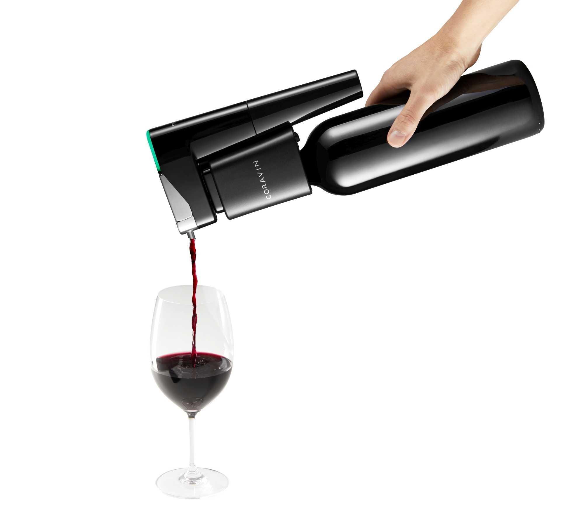 Ohne den Koren zu ziehen, kann man mit dem Coravin Model Eleven reinen Wein einschenken.