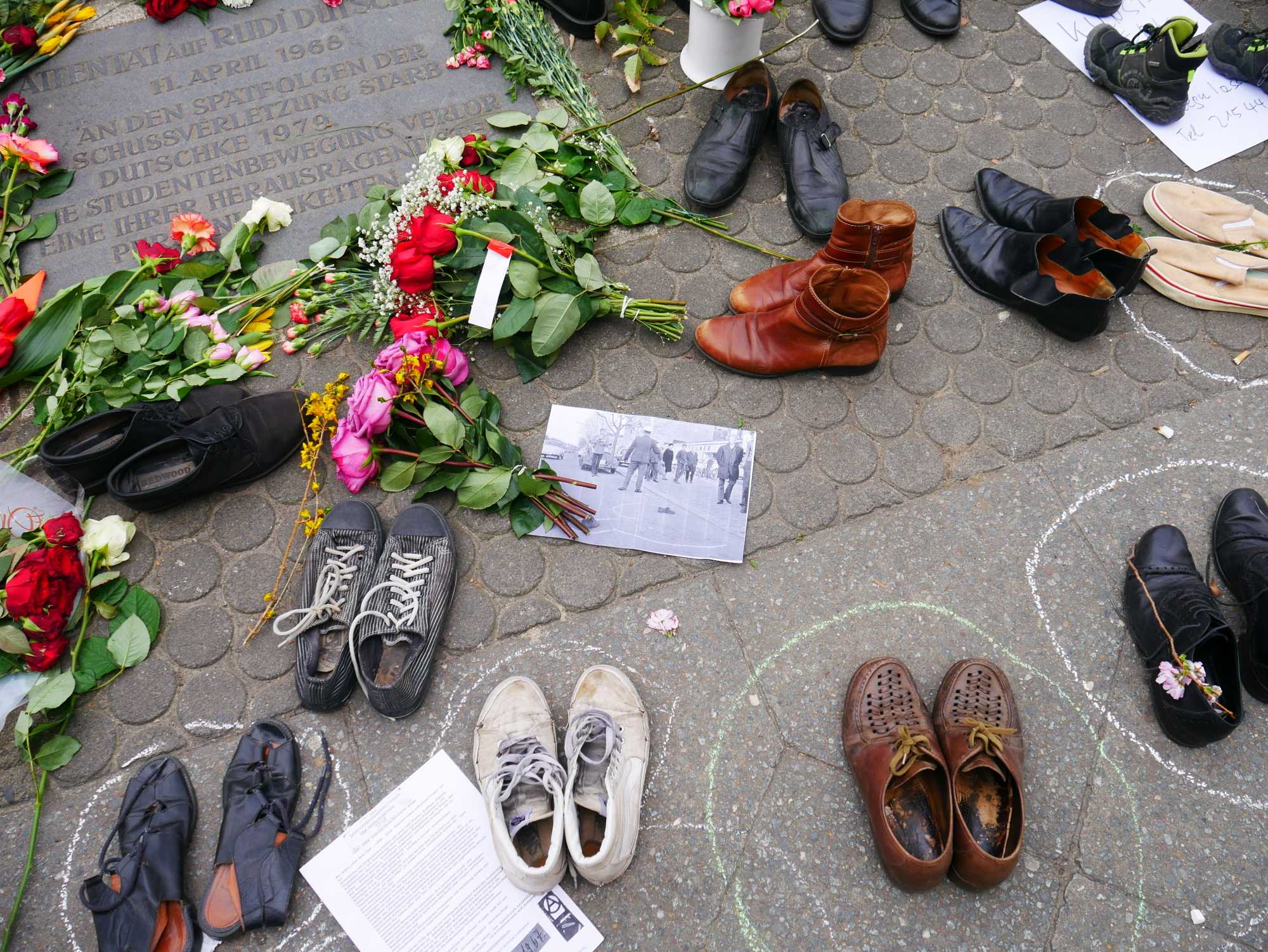 Missing Link: Schuhe auf dem Kurfürstendamm - von gescheiterten Revolutionen, erfolgreichen Revolten und technisch machbaren Utopien