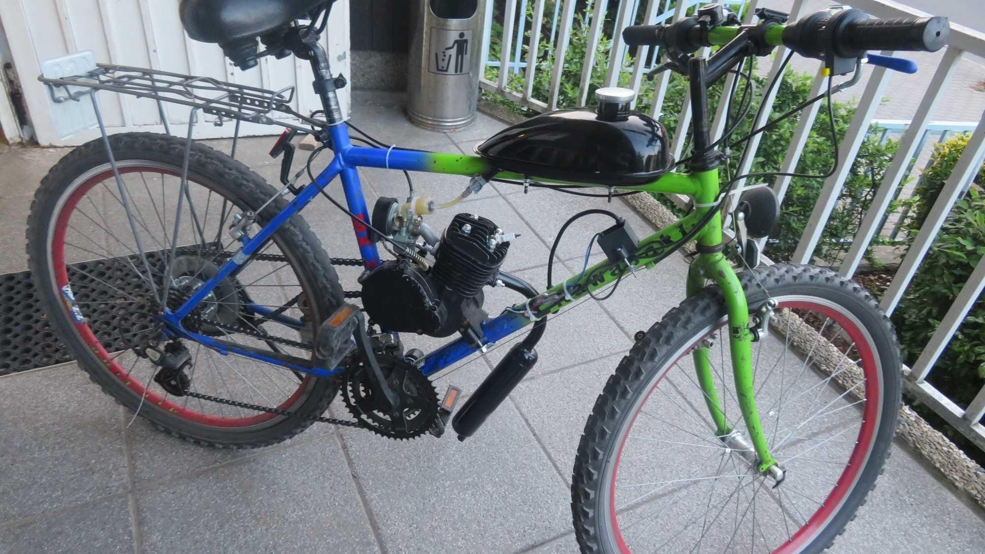 """Getuntes Rad knattert mit 80 km/h: Polizei stellt """"Düsenschlitten"""""""