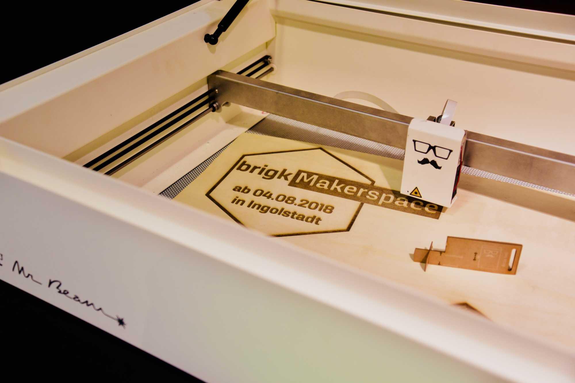 Eröffnung brigk Makerspace Ingolstadt: Einladung im Lasercutter