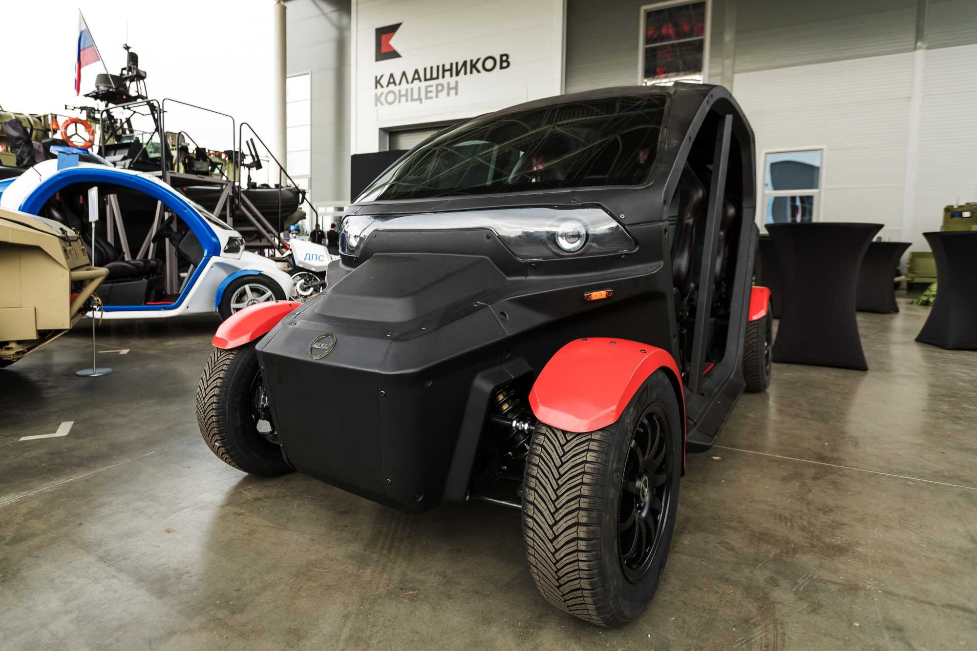 Auf der Army 2018 stellt Kalaschnikow auch einen Hybrid-Buggy vor.