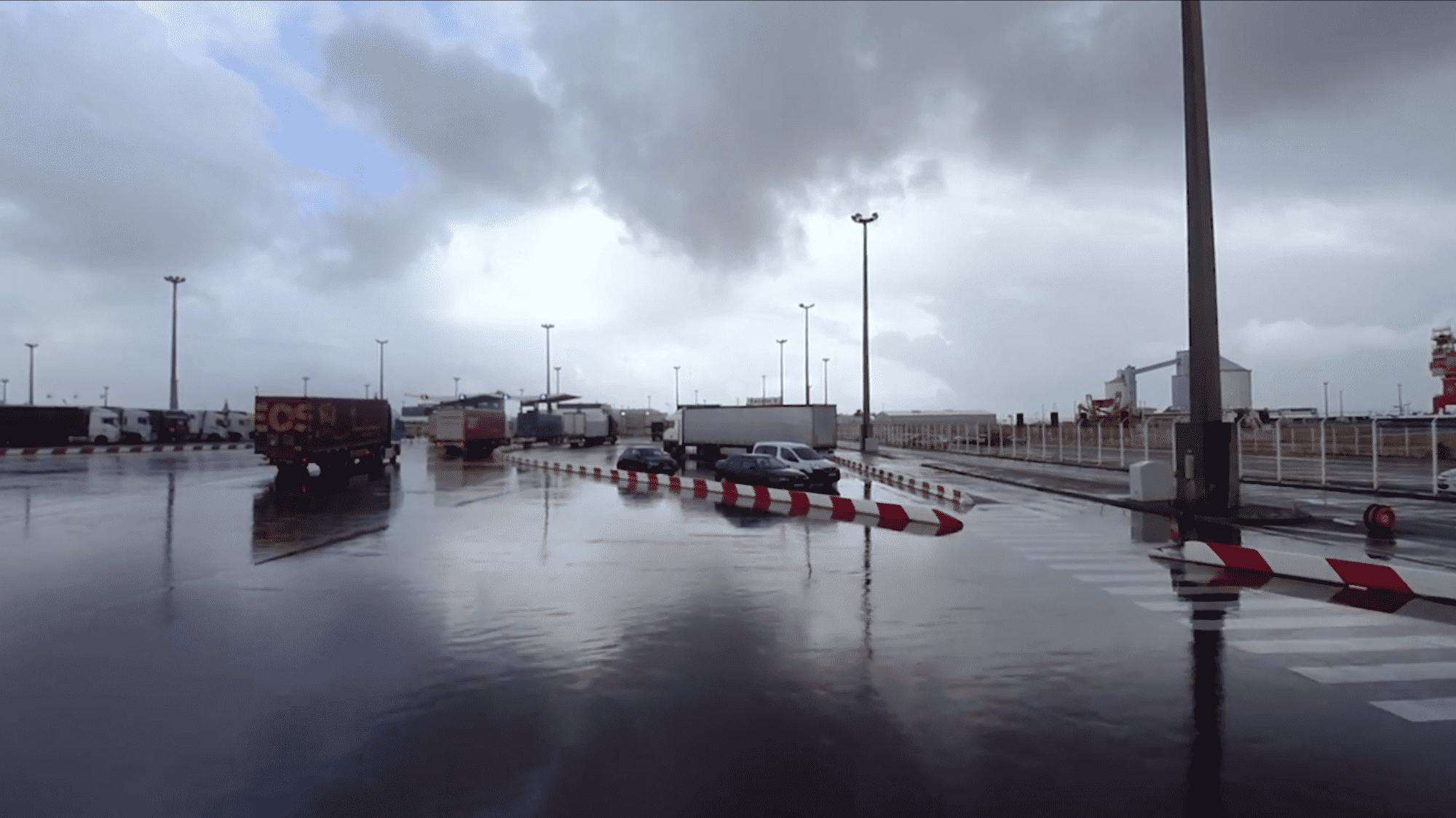 Missing Link: Grenztechnik in Calais – Die Stadt der Zäune und das Land der Träume