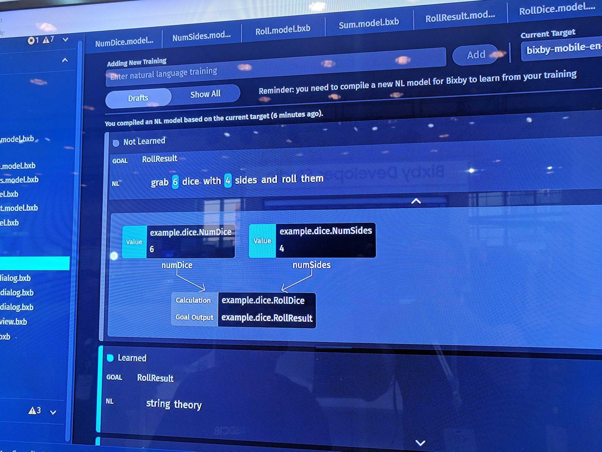 Im Bixby Developer Studio können Entwickler Einfluss darauf nehmen, welche Sätze des Benutzers wie verstanden werden.