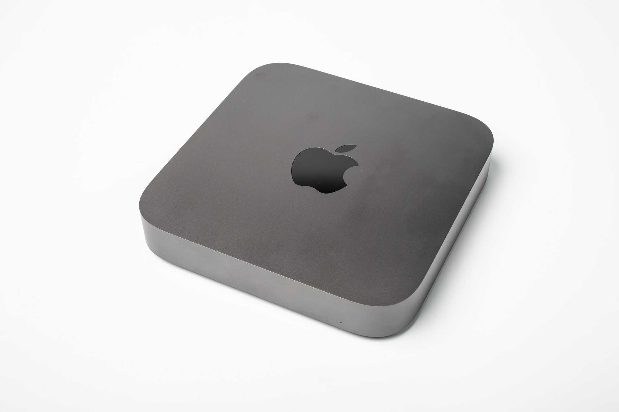 Das Gehäuse mit seiner quadratischen Grundfläche ist geblieben, neu ist die Farbe Space-Grau.