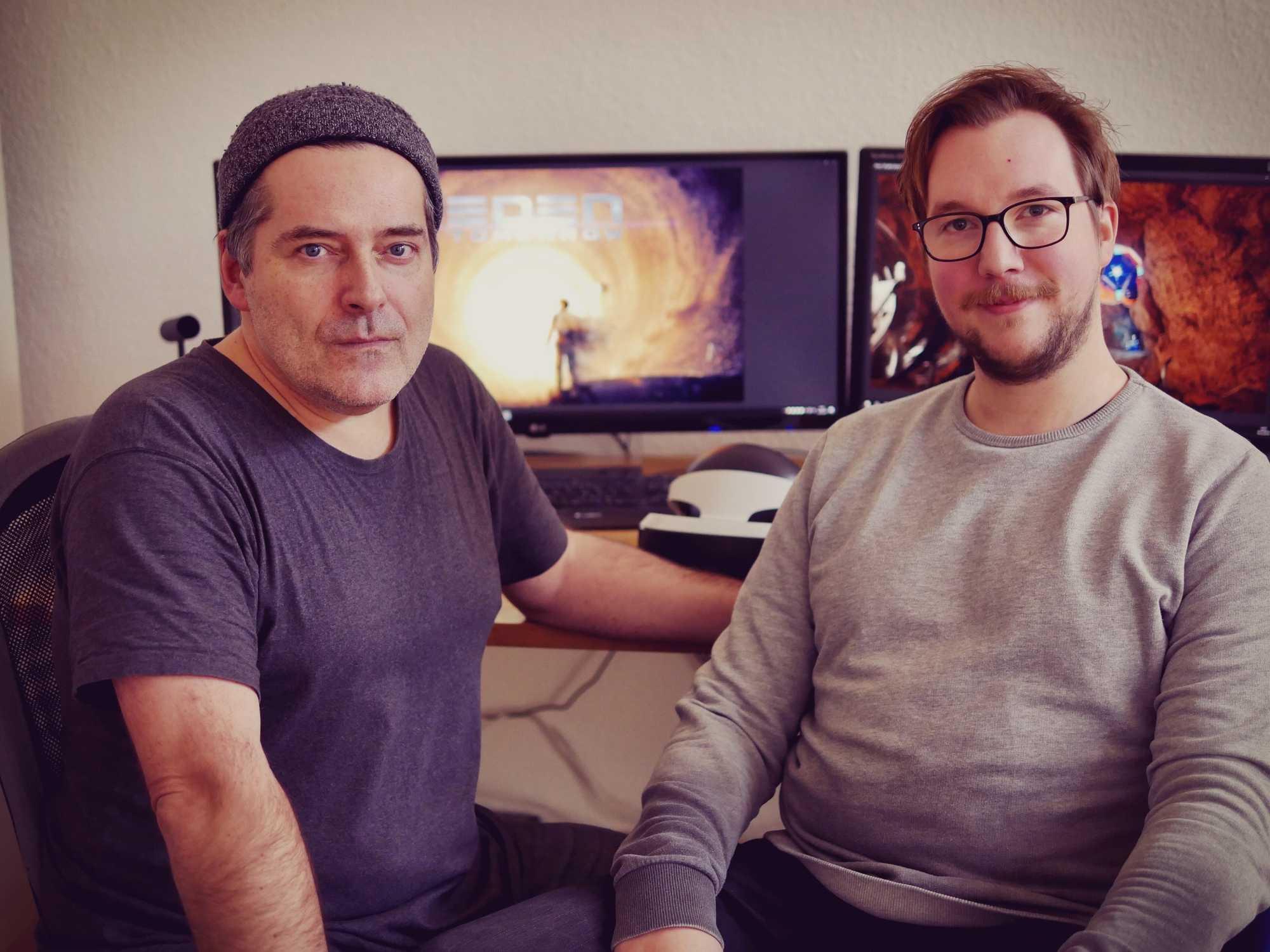 Eden-Chefentwickler Frank Sennholz (links, hier mit Lead-3D-Artist Nils Dechenthin) diente als Vorlage für die Hauptfigur des Spiels.