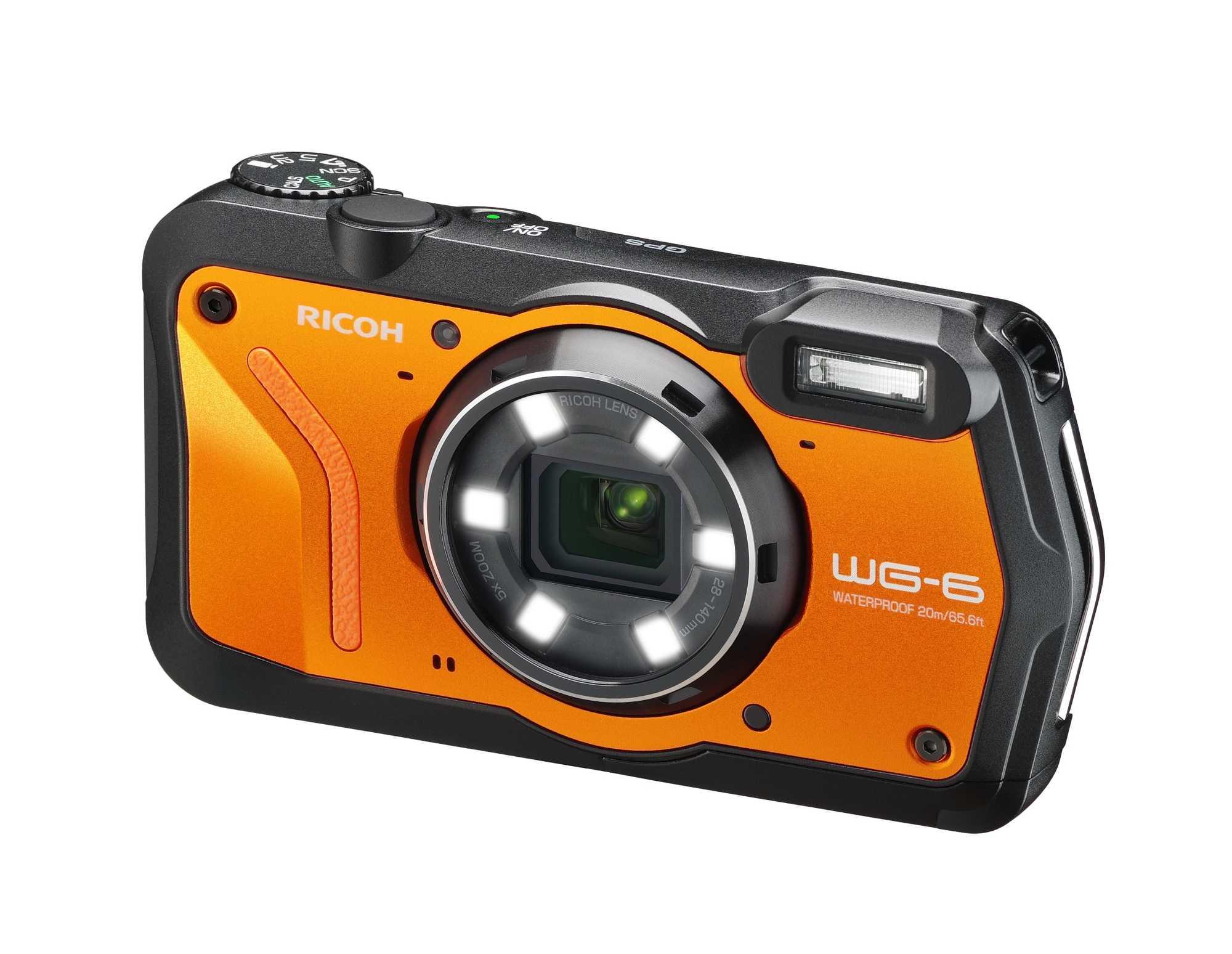 Die Outdoorkompaktkamera Ricoh WG-6 will besonders robust sein und bietet sich damit als Begleiterin für den Abenteuerurlaub an.