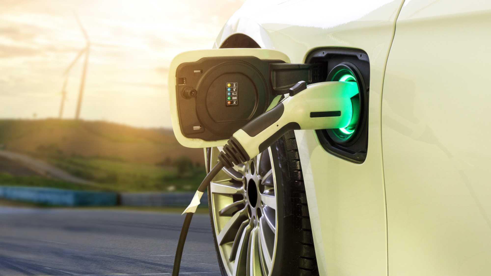#heiseshow, live ab 12 Uhr: Neue Elektroautos überall – Mehr als ein Hype?