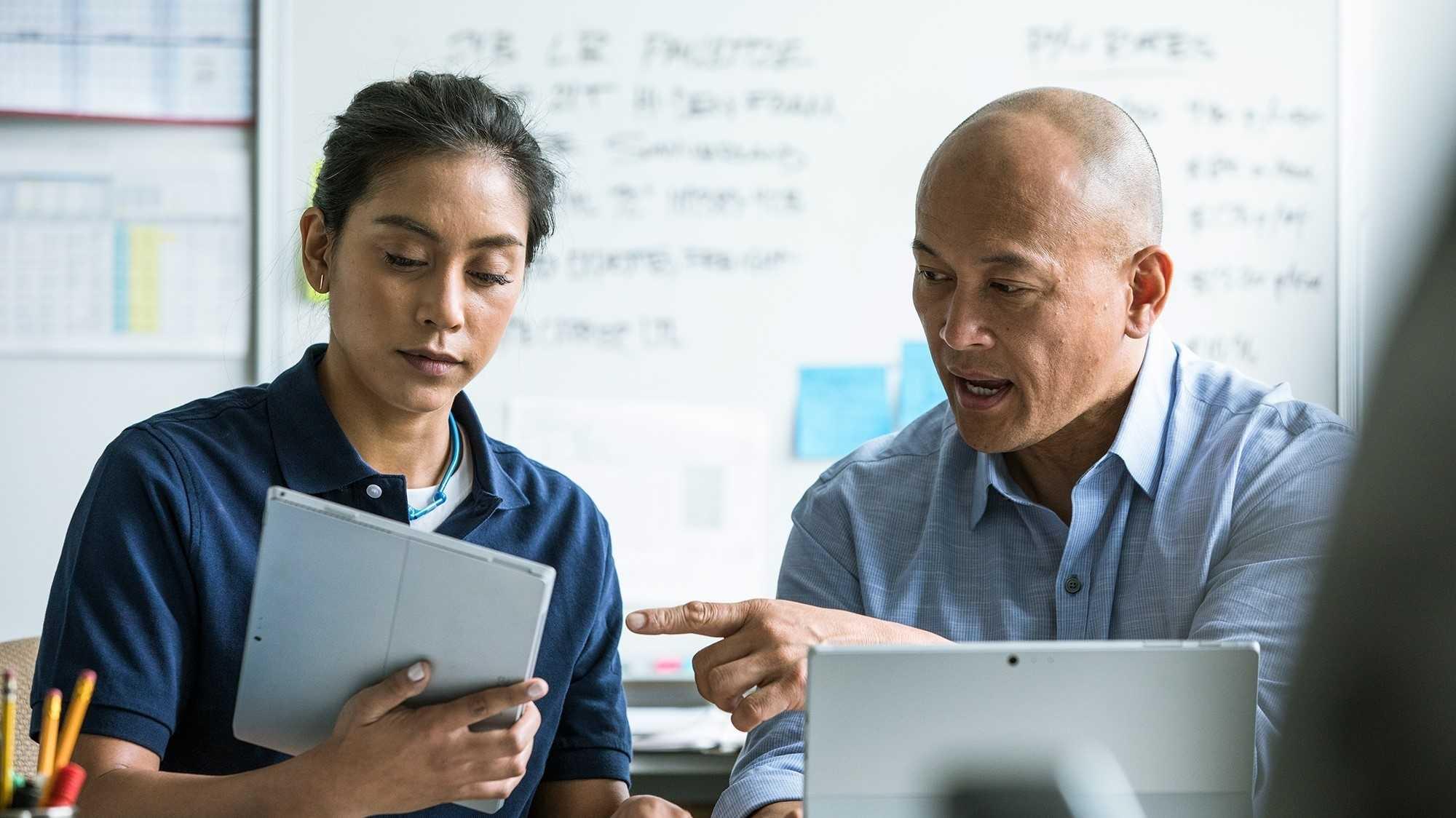 SmarterWorkplace: Mitarbeiter zum modernen Arbeitsplatz begleiten
