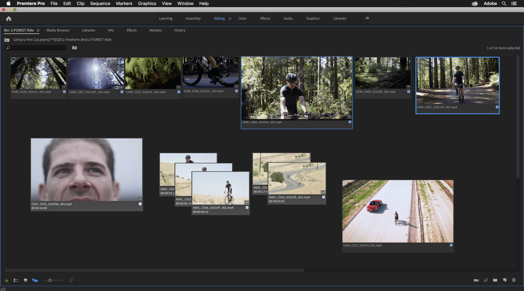 In der Freeform-Ansicht von Premiere Pro lassen sich Clips frei auf der Bildfläche verteilen.