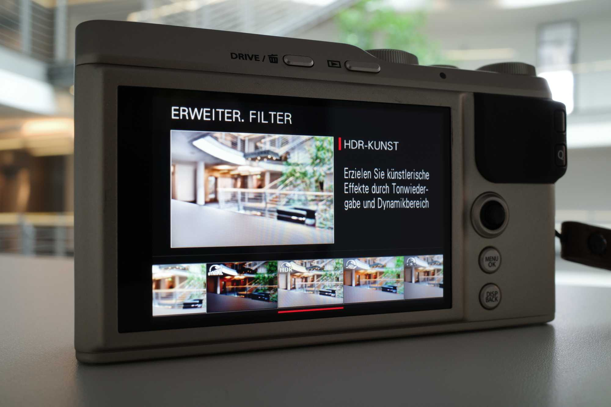 Was wären Kameras heute ohne Effektfilter? Die XF10 beherrscht auch etliche davon und die bekommen auf dem Menüwahlrad sogar ein eigenes Icon.