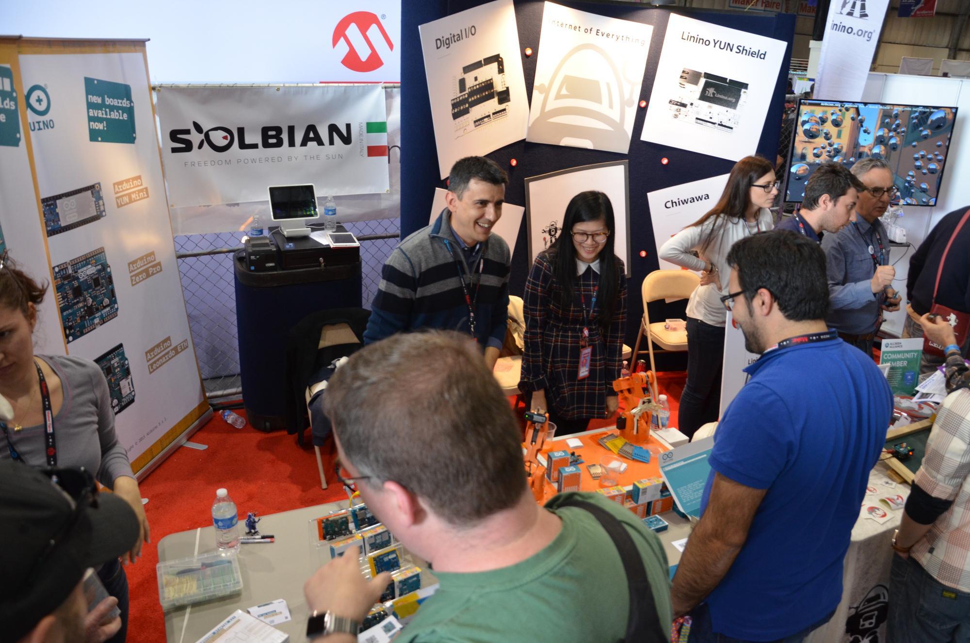 Auf der Maker Faire Bay Area 2015 zeigte Arduino S.L.R. seine Produkte, etwa den M0 Pro, der da noch Zero Pro hieß ...