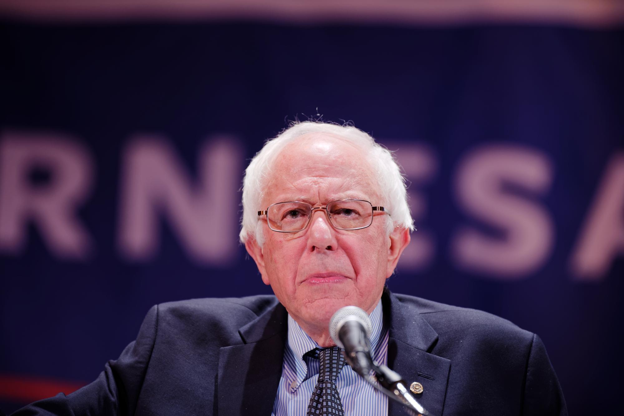 Bernie Sanders schaut angestrengt
