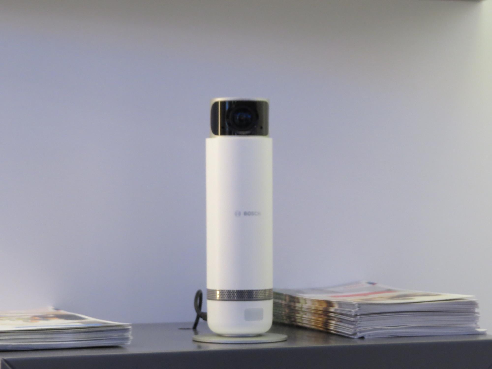 Die Überwachungskamera 360 soll ab April in Deutschland erhältlich sein.