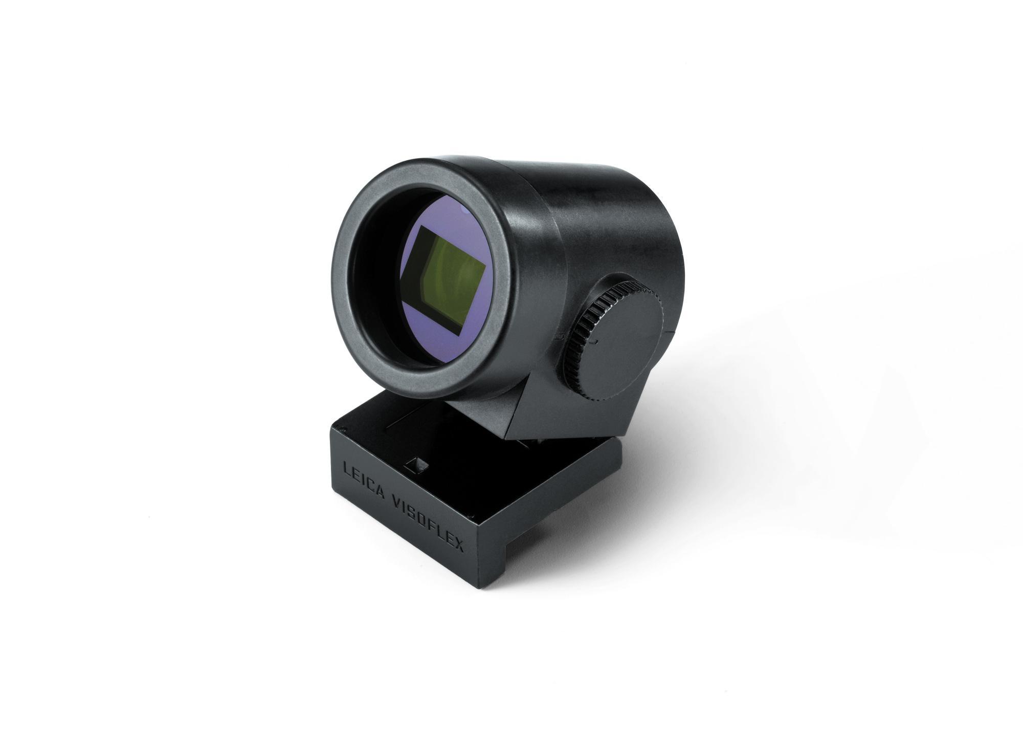 Der optional erhältliche Visoflex-Sucher ist mit einem 2,4-Megapixel-Bildschirm ausgestattet und hat ein GPS-Modul integriert.
