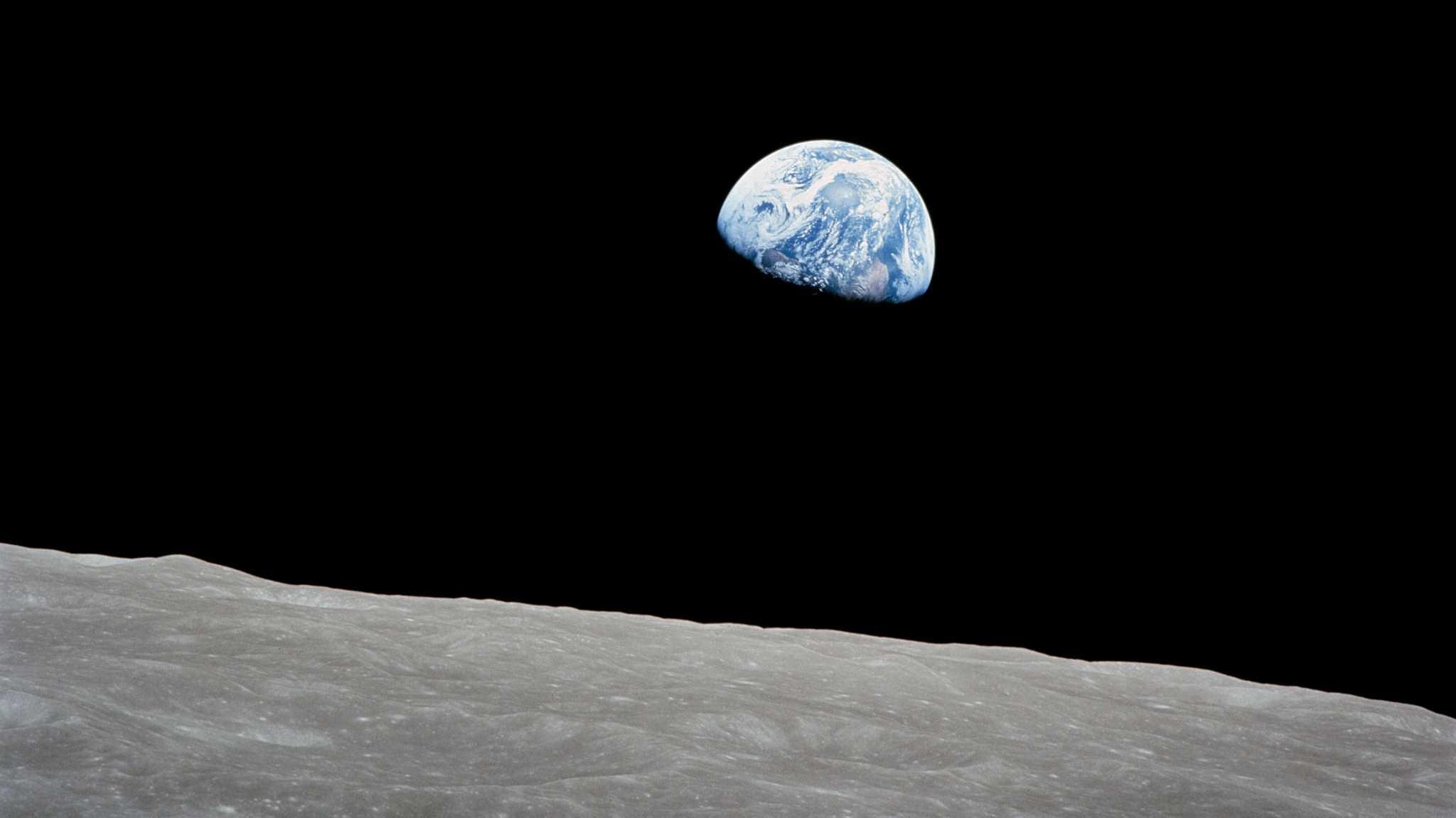 Erste Weihnachten im All und ein berühmtes Foto: 50 Jahre Apollo 8