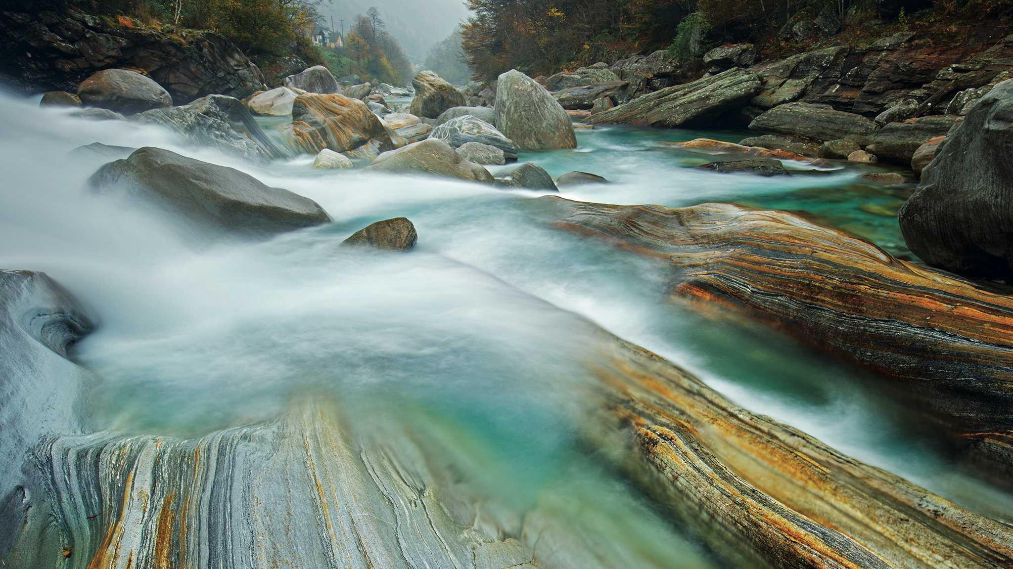 Von Wasser und Steinen: Landschaftsaufnahmen mit Dynamik