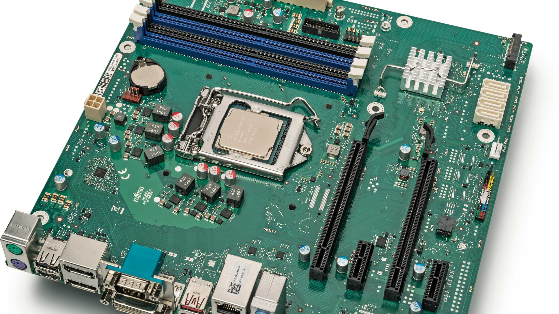 Test: Sparsames Mainboard Fujitsu D3643-H